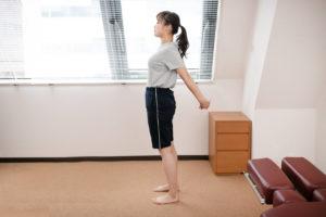 スマホ首の背中ストレッチ体操